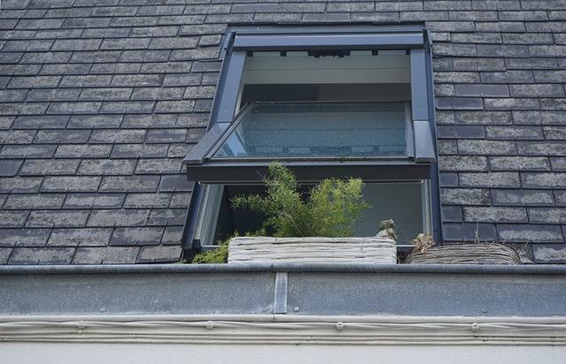 Prix de l 39 installation d 39 une fen tre de toit for Prix fenetre de toit